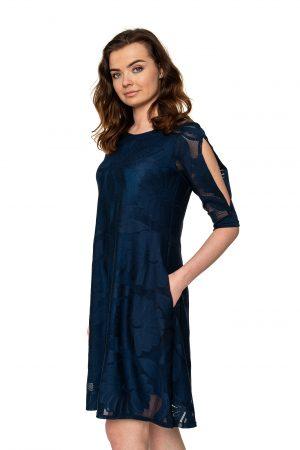 Mėlyna varpelio formos suknelė