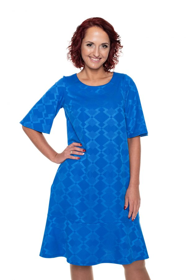 mėlyna suknelė su volanais
