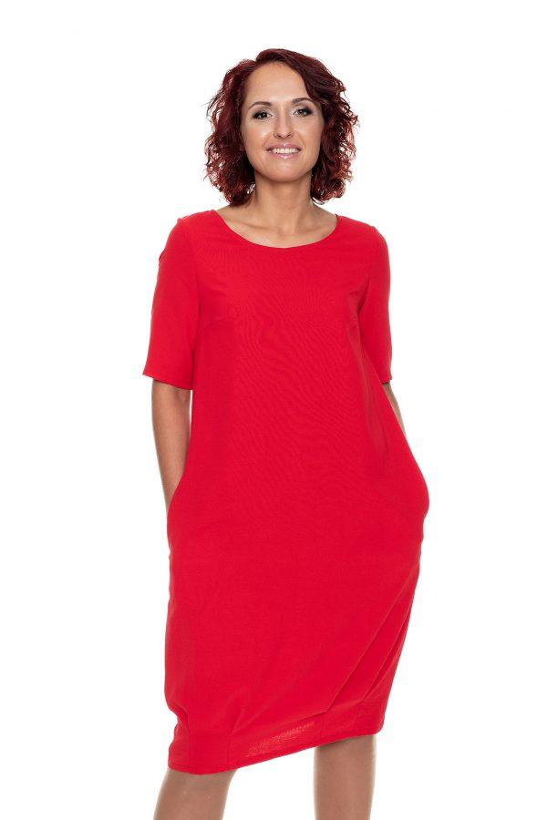 raudona puošni suknelė