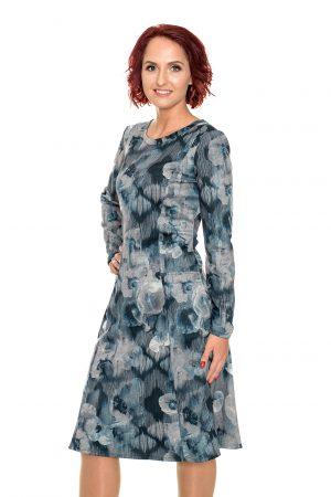 Melsvų raštų platėjanti suknelė