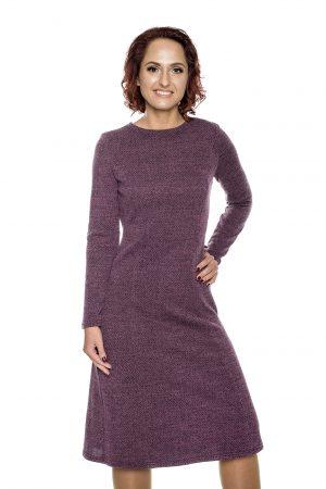 Violetinė platėjanti suknelė